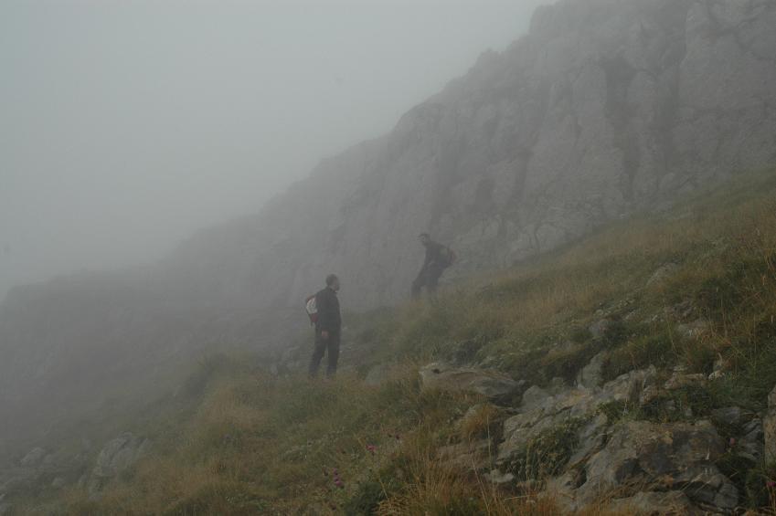 Subiendo Entre La Niebla