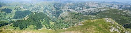 Panoramica hacia San Roque de Riomiera